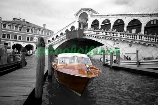 Фотообои Катер в Венеции