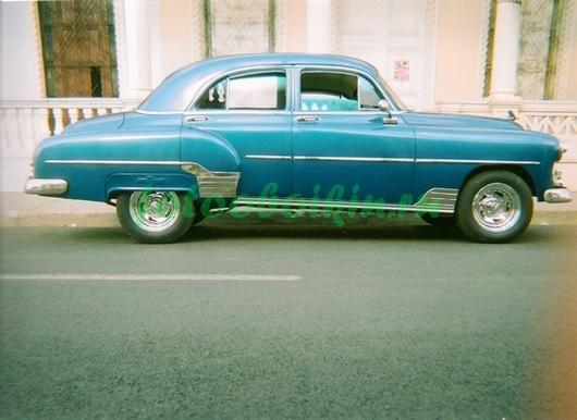 Фотообои Голубой автомобиль