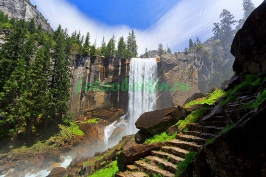 Фотообои Лестница у водопада