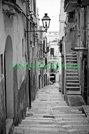 Фотообои Улочка с лестницей