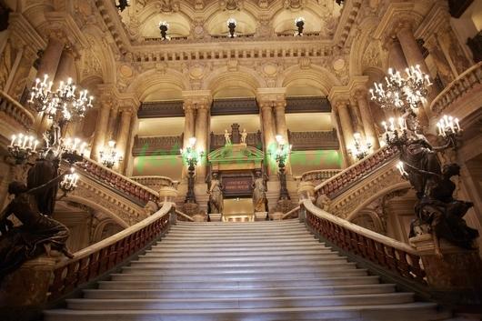 Фотообои Лестница во дворце