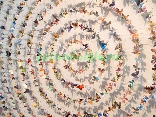 Фотообои Хоровод с бабочками