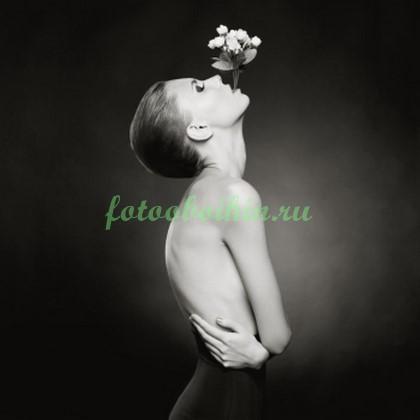Фотообои Девушка и цветок