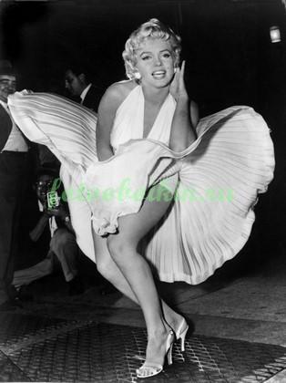 Фотообои Мерлин Монро в развивающемся платье