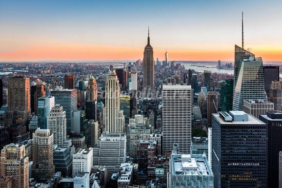 Красивый закат в Нью-Йорке