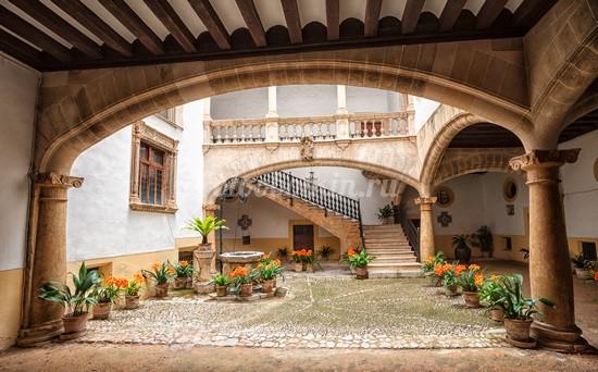 Фотообои Двор в Итальянском доме