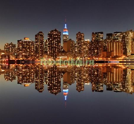 Фотообои Отражение города в воде