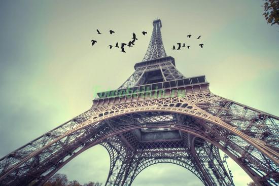 Фотообои Высокая башня