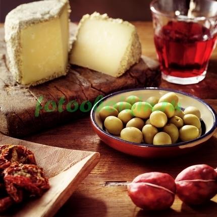 Фотообои Маслины и сыр