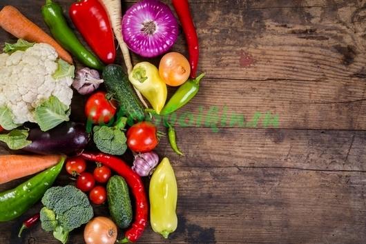 Фотообои Овощи деревянный фон