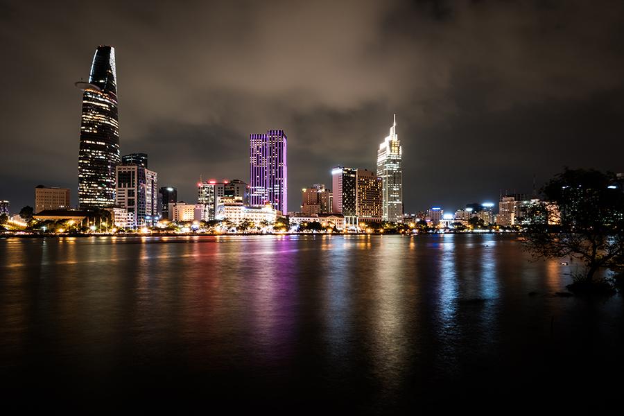 Фотообои Ночной город у реки