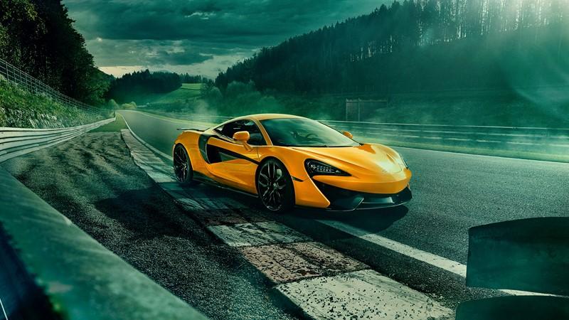 Фотообои Желтая красивая машина