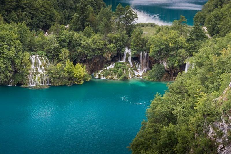 Фотообои Маленькие водопады
