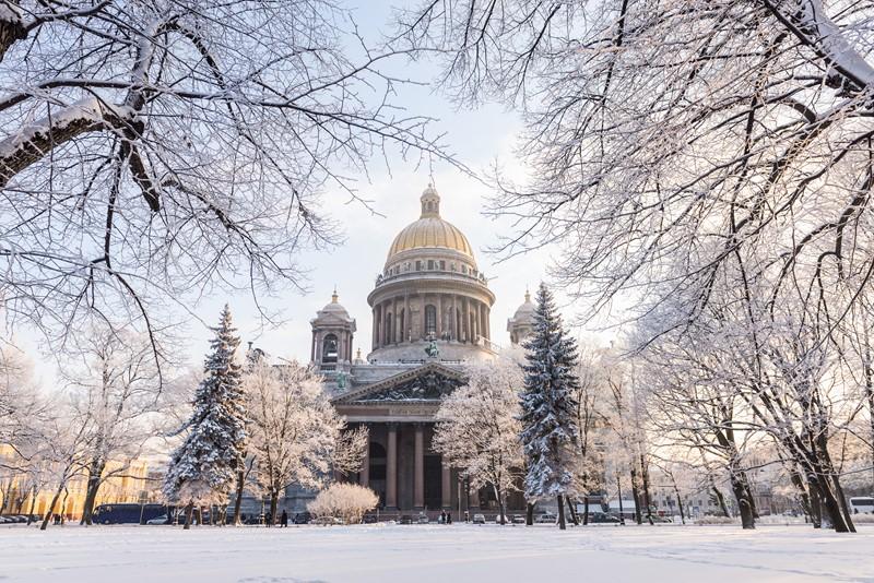 Фотообои Исаакиевский собор зимой