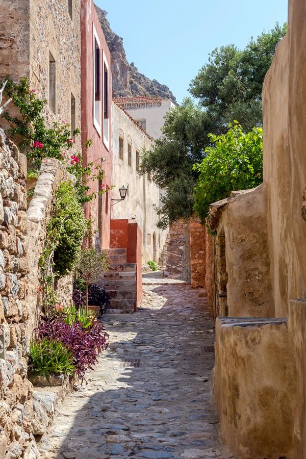 Фотообои Маленький переулок