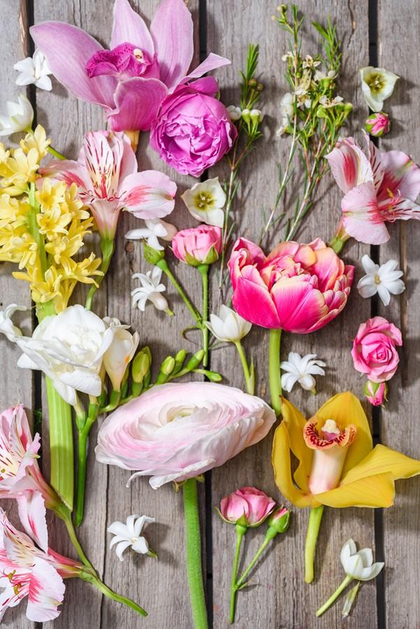 Фотообои Выкладка цветов